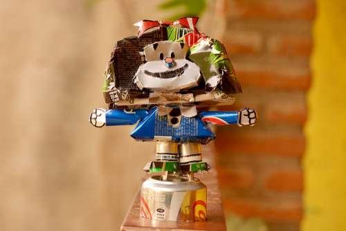Mafalda Robot Recycle Figure Metal Colorful