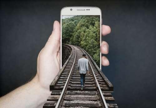 Manipulation Smartphone Gleise Run Charming Keep