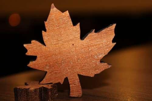 Maple Leaf Wood Table Decorations Autumn Jewelery