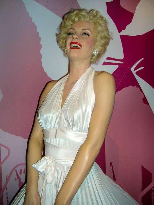 Marilyn Monroe Wax Figure Actor Woman Art Viewing