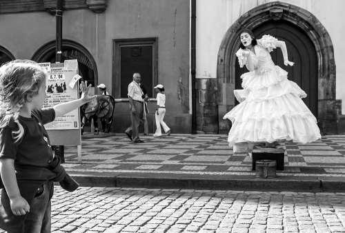 Mime Pantomime Hulki Okan Tabak Prague