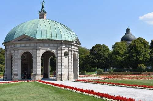 Munich Courtyard Garden Residence Park