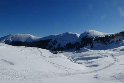 Nistos Pyrénées Mountain