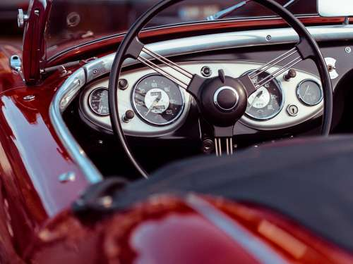 Oldtimer Convertible Red Speedometer Classic