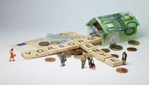Pension Miniature Figures Pensioners Rollator