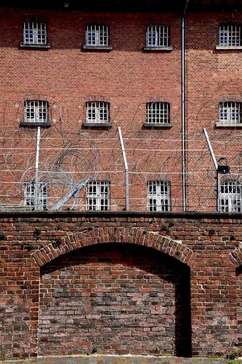 Prison Barbed Wire Oldenburg Bricks