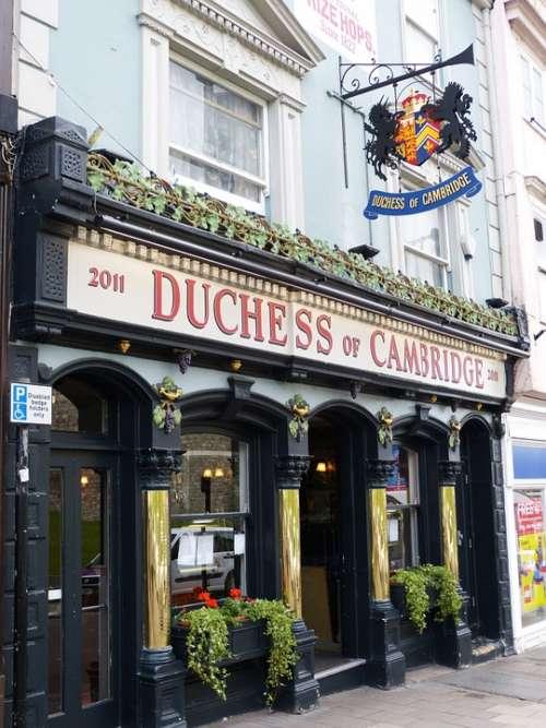 Pub England Windsor London United Kingdom Facade