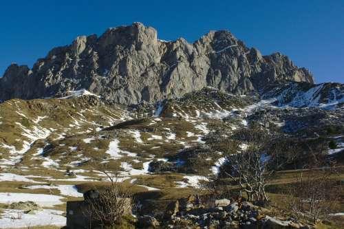 Pyrenees Peña Foratata Formigal Huesca