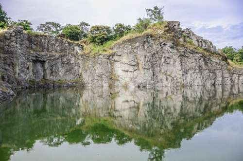 Quarry Stone Agua Landscape