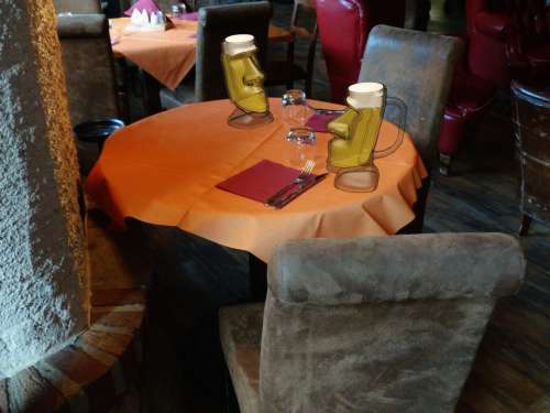 Restaurant Table Chairs Beer