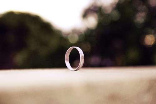 Ring Metal Round Brilliant