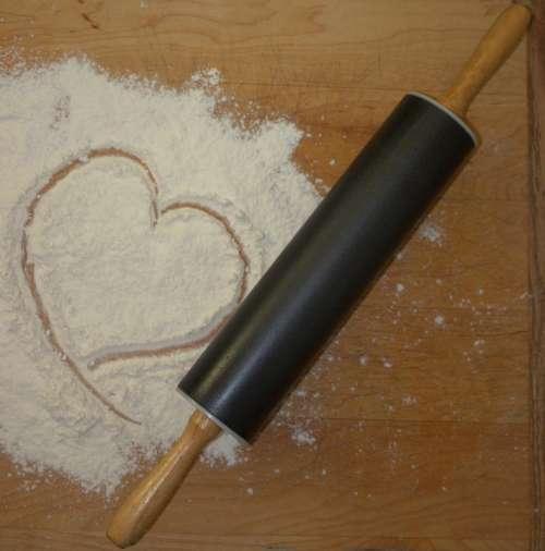 Rolling Pin Flour Bake Heart Shape Rolling