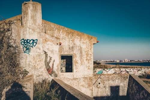 Ruin Abandoned Decay Building Graffiti