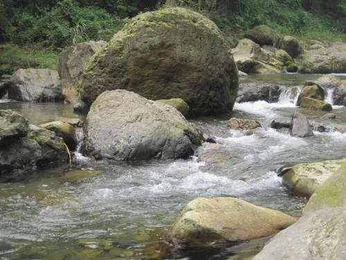 Running Water Emeishan Stone
