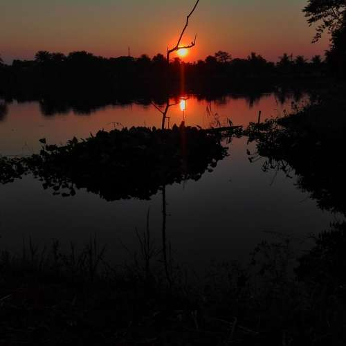 Scenario Sunset At Pond