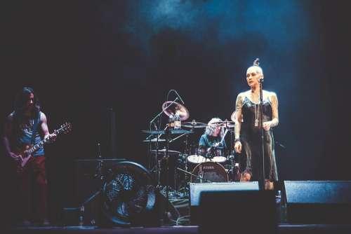 Singer Concert Rock Russia Guitar Microphone