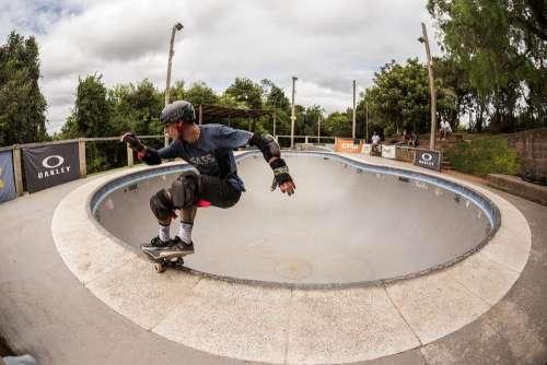 Skateboard Skater Bowl