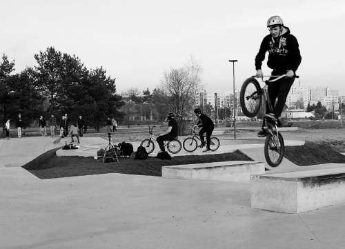 Skateboard Boy Round