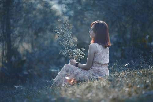 Woman Asian Sitting Spring Landscape Model Beauty