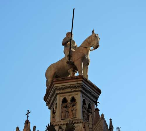 Statue Scala Verona Arks Scaligere