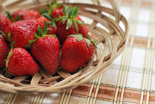 Strawberry Berry Red Basket Fresh Natural Juicy