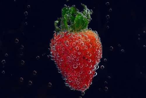 Strawberry Blow Air Bubbles Mineral Water Blubber