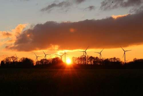Sunset Windräder Wind Power Abendstimmung