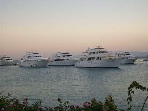 Sunset Boats Sea Calm Dusk Reflection Beach