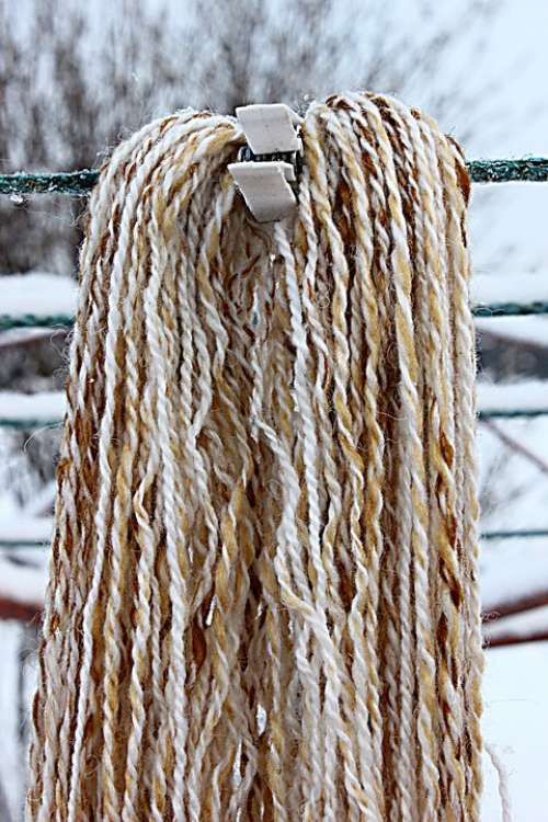 Thread Winter Brown Organic Hanging