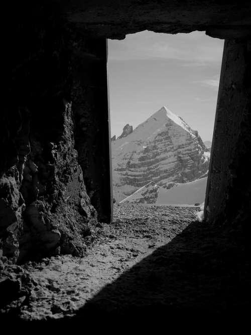 Tofana Rozes Dolomites Alps Montagnana Window