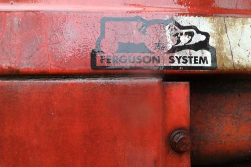 Tractor Massey Ferguson Cap Ferret