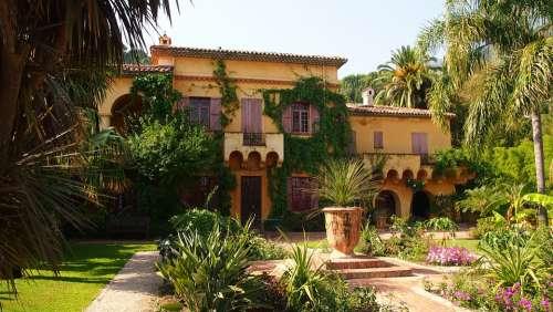 Villa Mediterranean House