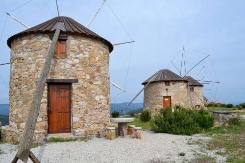 Windmills Portugal Wings