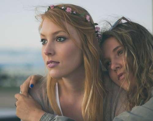 Woman Sisters Siblings Friends Best Friends Girls