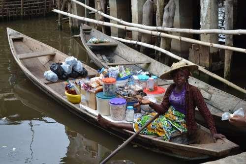 Woman Africa Portrait Canoe Saleswoman Market