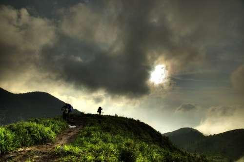Wugongshan Backpackers Sunset Dark Clouds