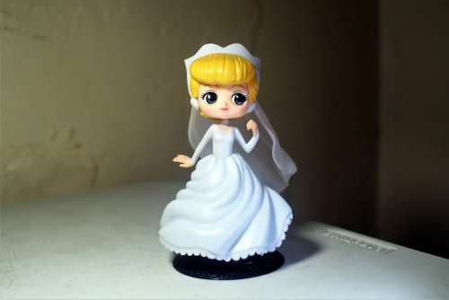 Young Lady Girl Female Toy Figurine Q Posket