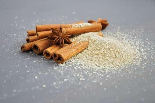 Cinnamon sprinkled with vanilla sugar