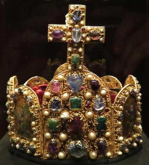 crown royal regal Austria king gold
