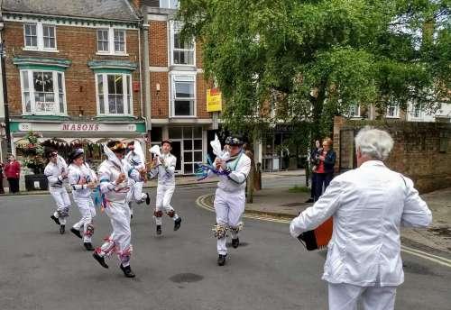 morris dancers bampton abingdon masons