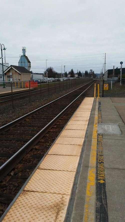 train tracks railroad railway Puyallup