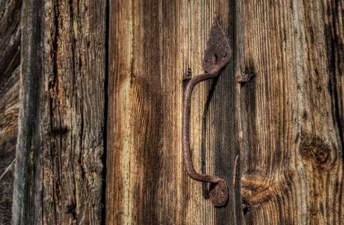 door wood door handle rust