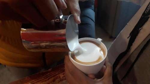espresso and steamed milk latte coffee expresso