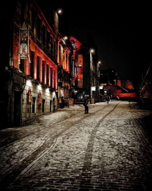 edinburgh scotland darkedinburgh night snow