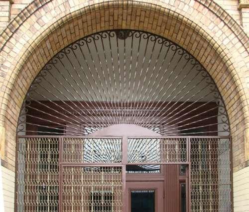 arch door doorway metal radial