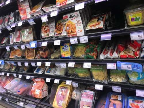 grocery store food market