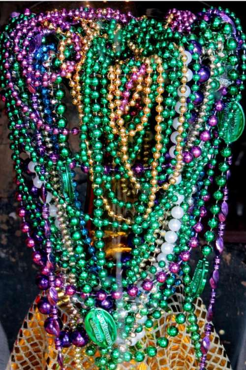 glass beads necklaces shiny green