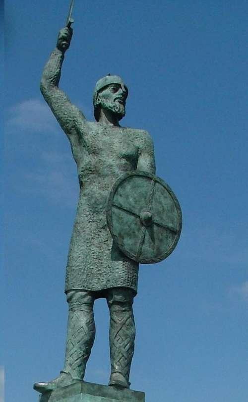 bryhtnoth battle of maldon 991 essex england statue