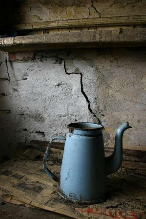 Water jug flower pot kettle still life