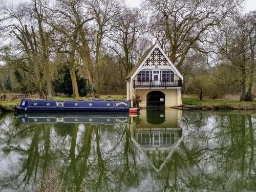 nuneham courtenay boathouse boat thames oxfordshire